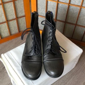 Steve Madden classic ankle length combat boots